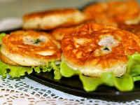 Быстрые ленивые беляши на кефире - рецепты с мясным фаршем, колбасой