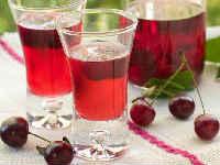 Домашний вишневый ликер на водке, спирту, с листьями, косточками, быстрого приготовления