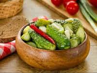 Рецепты малосольных огурцов в пакете с чесноком, укропом, зеленью за час-два