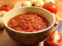 Аджика из помидор на зиму с перцем, чесноком, хреном, классическая, острая