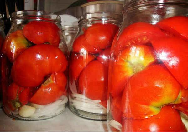 помидоры половинками