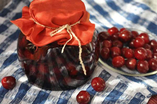 варенье из вишни с косточкой пятиминутка