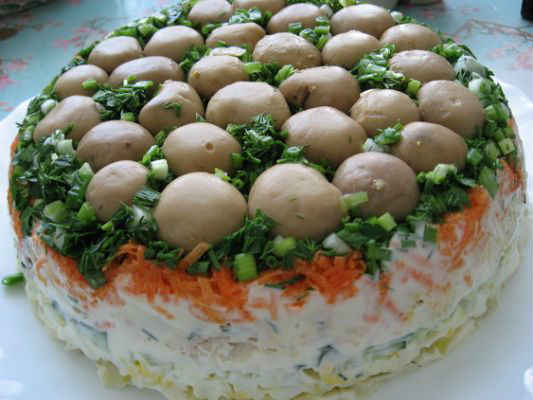 салат поляна с шампиньонами