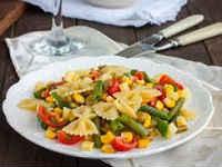 Салаты с макаронами - рецепты с ветчиной, сыром, итальянский, тунцом, перцем, помидорами, курицей