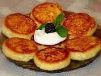 Сырники из творога в духовке - рецепты с манкой, яблоком, тыквой, изюмом