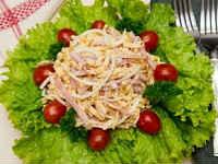 Салаты с яичными блинчиками - простые и вкусные рецепты
