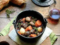 Говядина по-бургундски - классические рецепты мяса, тушеного в вине