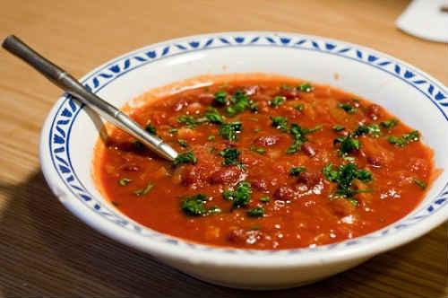 суп с фасолью в томатном соусе