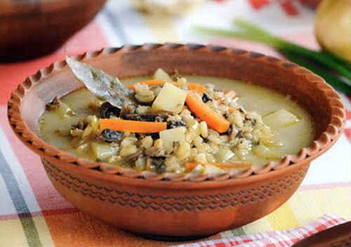 суп со свежими грибами и картошкой