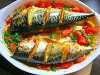 Скумбрия, запеченная в духовке с овощами - рецепты