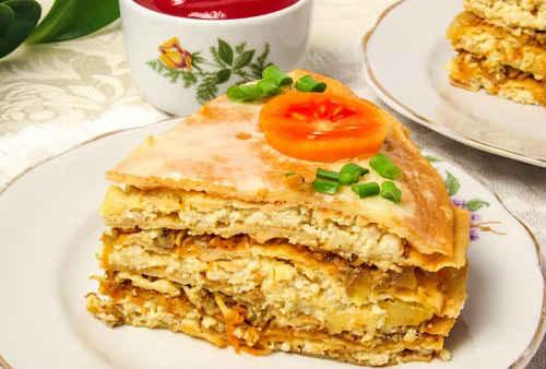 торт из блинов с курицей