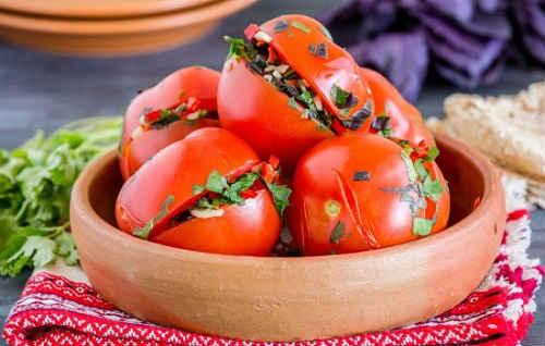 фаршированные маринованные помидоры