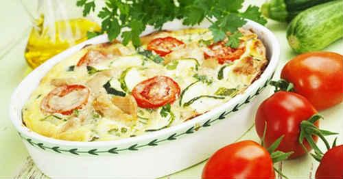 кабачки под сыром с помидорами