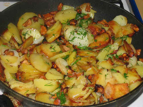 картошка жареная с лисичками