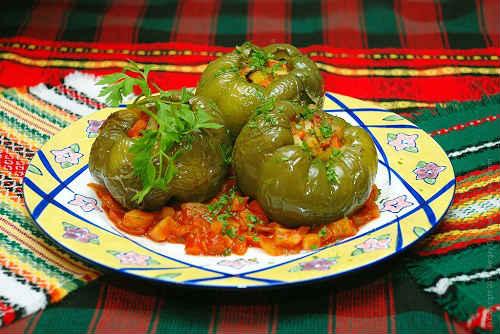 перцы с начинкой из овощей