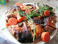 Толстолобик, запеченный в духовке - вкусные рецепты целиком и кусочками