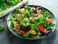 как приготовить салат с рукколой и помидорами