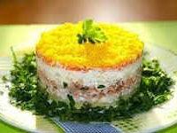 салат мимоза со скумбрией холодного копчения