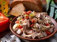 Деревенский салат - классические рецепты с грибами, картошкой, курицей