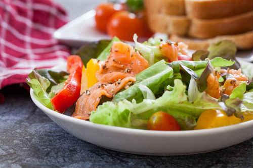 рецепт салата из лосося