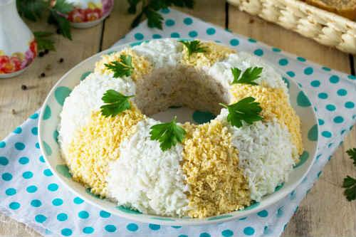 как приготовить салат с рисом и кукурузой