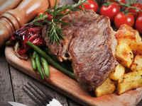 Отбивные из говядины в духовке - рецепты с сыром, помидорами, картошкой
