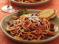 Спагетти в томатном соусе - лучшие рецепты с фрикадельками, фаршем, креветками