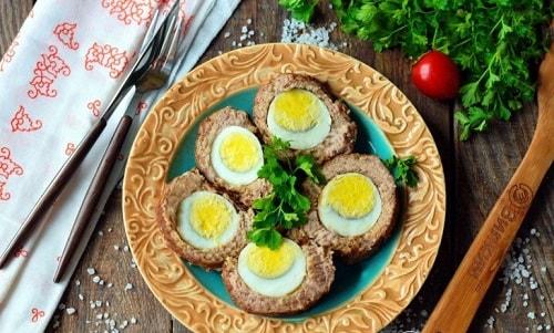 рулет из фарша - рецепт с яйцом