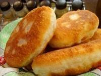 Дрожжевые пирожки с картошкой, жареные на сковороде - рецепт теста на дрожжах