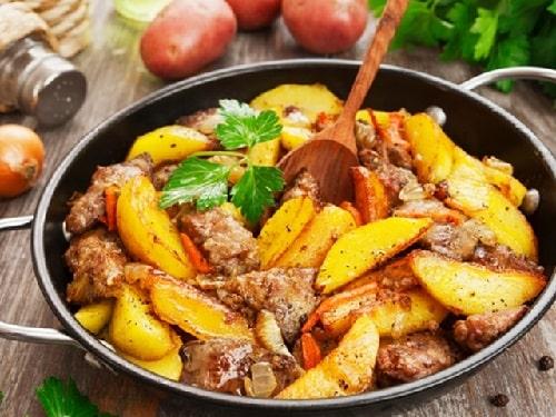 жареная индейка с картошкой