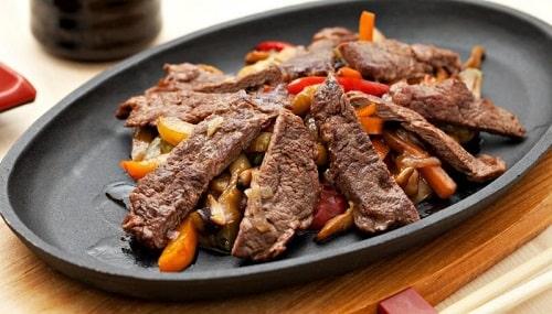 как приготовить говядину на сковороде