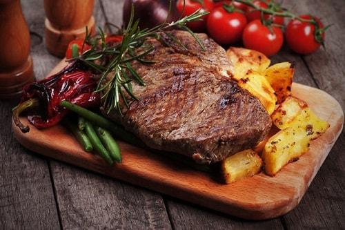 стейк из говядины средней прожарки