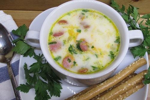 сырный суп с копченой колбасой
