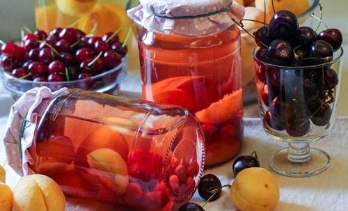 вишневый компот с абрикосами на зиму
