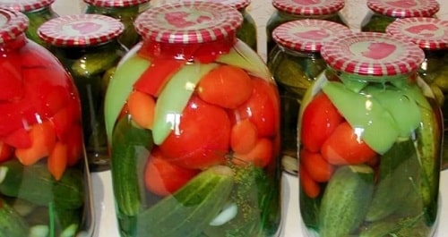 ассорти на зиму с помидорами и огурцами
