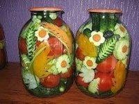 как заготовить ассорти из помидоров с огурцами