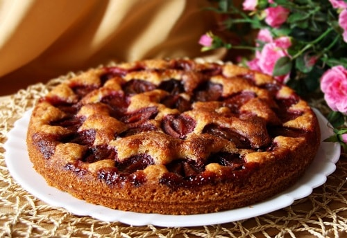 пирог со сливами на кефире рецепт