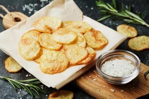 как приготовить чипсы из картошки в микроволновке