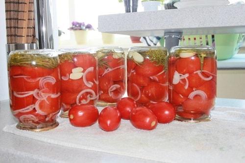 помидоры по-чешски с луком