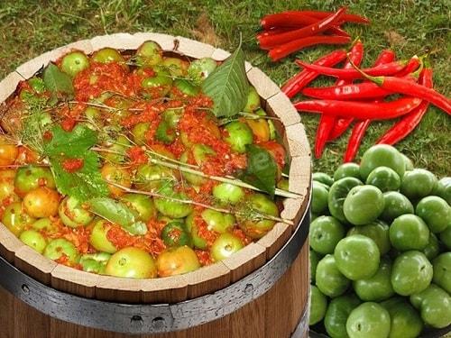 зеленые помидоры бочковые на зиму