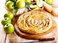 яблочный пирог из слоеного теста-min