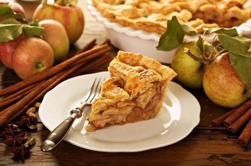 яблочный пирог из слоеного теста рецепт-min