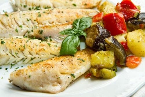 как запечь хек с овощами