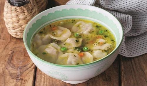 пельменный суп с картошкой-min