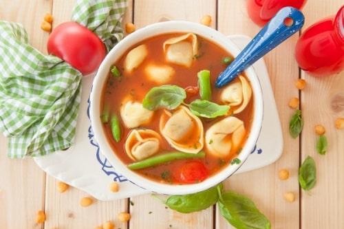 томатный суп с пельменями-min