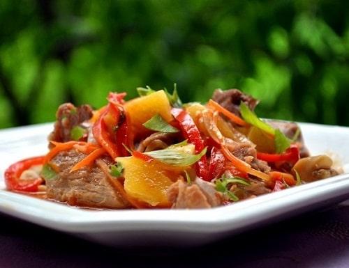 вкусная индейка с овощами на сковороде-min