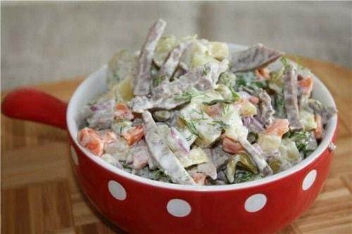 вкусный салат из свиного сердца