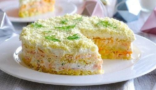 слоеный салат из консервированной горбуши