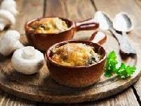 Жульен с курицей и грибами – классический рецепт в духовке со сливками и сыром