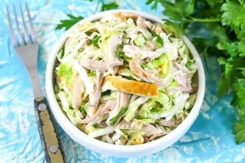 салат с яичными блинчиками и курицей рецепт